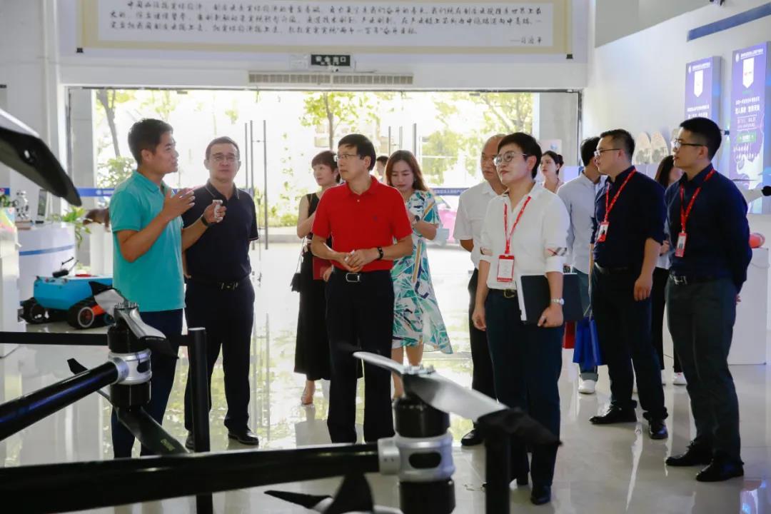 深化合作,共谋发展丨中集产城发展集团领导一行莅临中亚硅谷产业基地参观考察(图2)