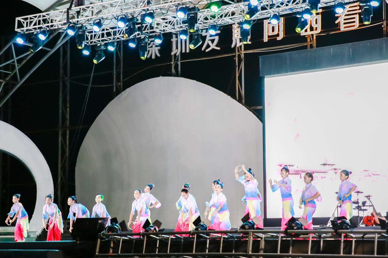 中亚硅谷2021欢度中秋、献礼国庆大型公益晚会圆满举办(图8)